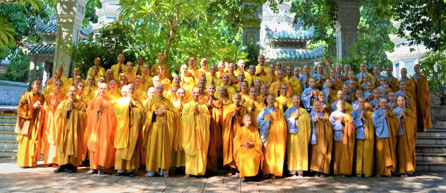 Tăng Ni sinh khánh tuế chư Tôn giáo phẩm lãnh đạo Học viện