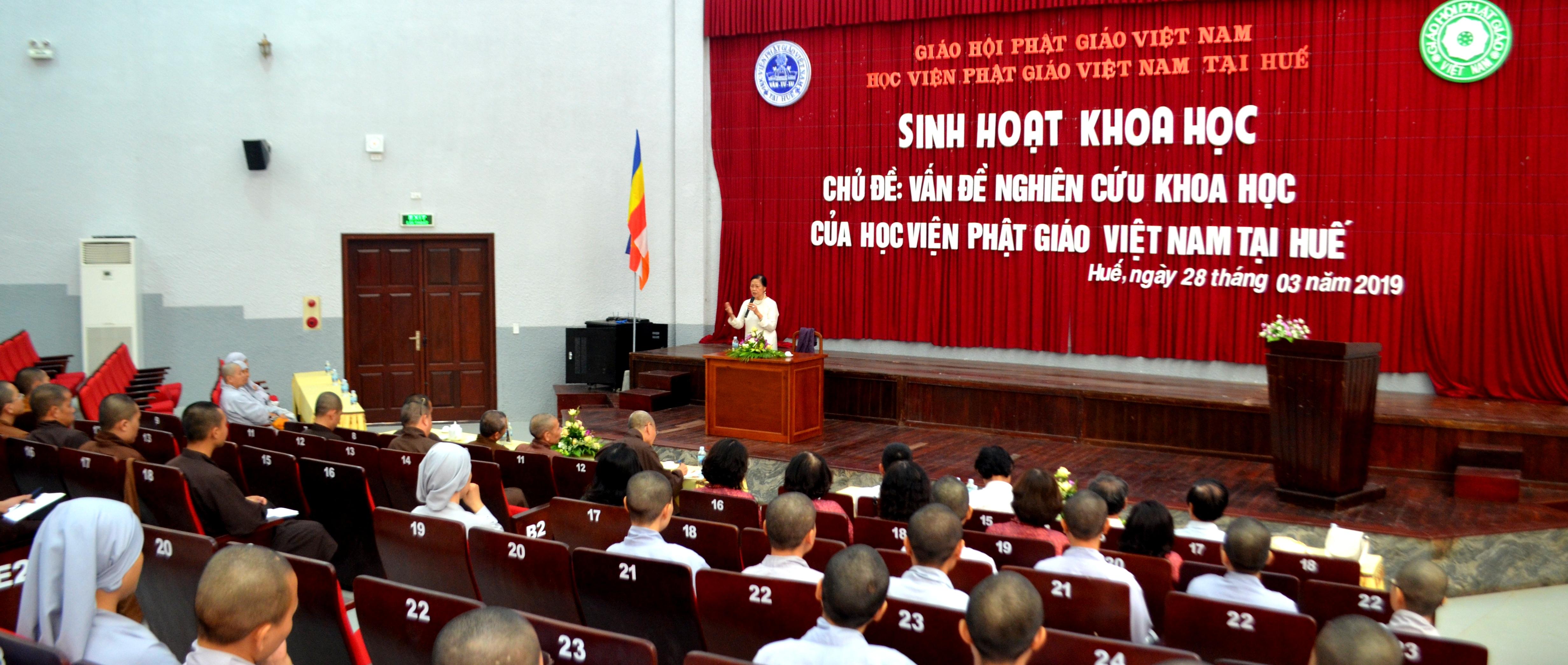Học viện PGVN tại Huế tổ chức sinh hoạt nghiên cứu khoa học