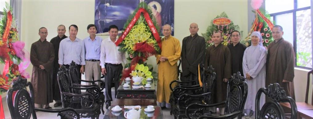 Thăm và chúc mừng ngày 20/11 đến Học viện PGVN tại Huế