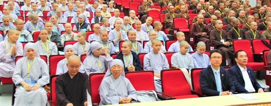 Tập huấn về biến đổi khí hậu cho Tăng Ni sinh Học viện