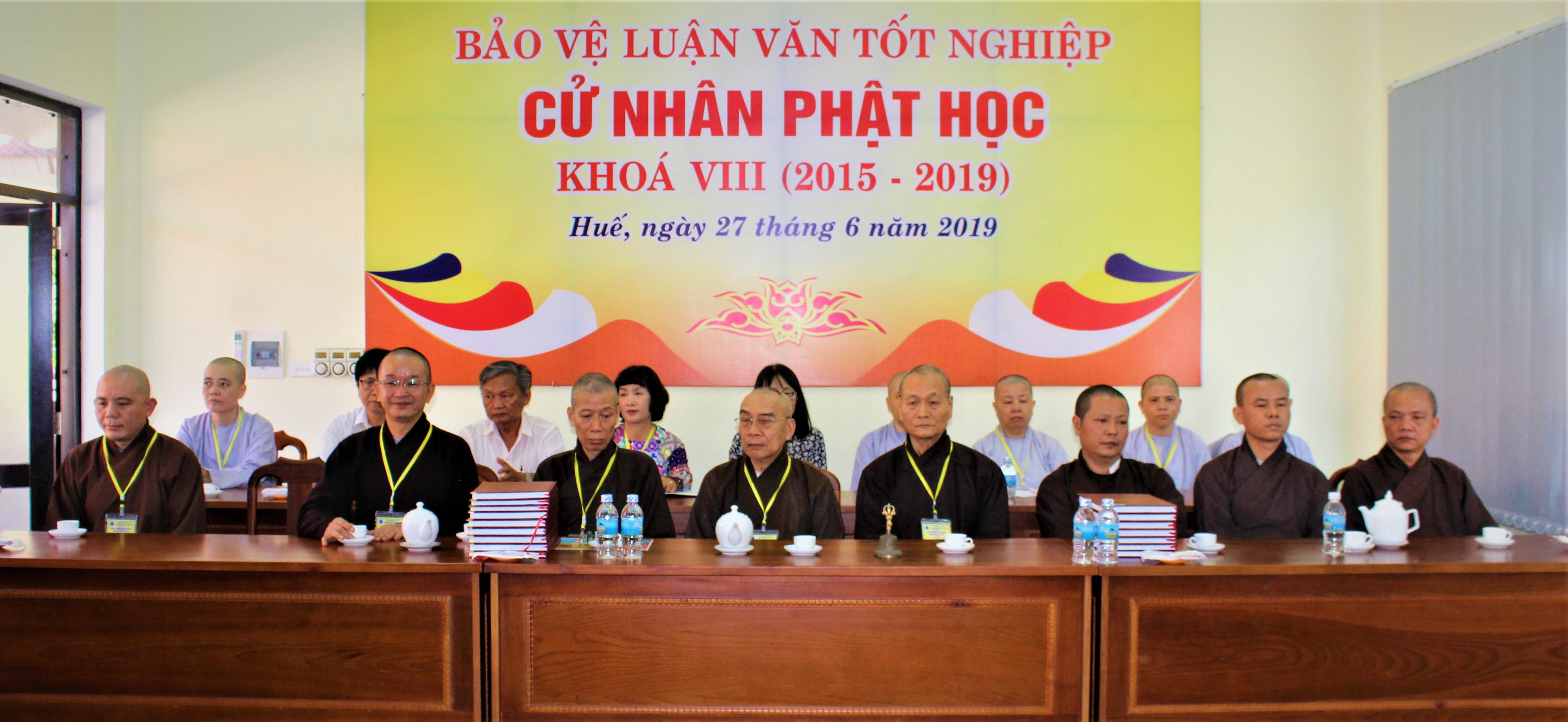 Bảo vệ luận văn Tốt nghiệp Cử nhân Phật học khóa VIII